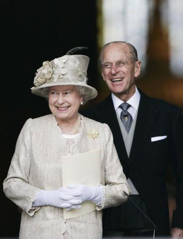 Ngắm nhìn những bức ảnh hiếm có về cuộc đời của cố Hoàng thân Philip, chồng Nữ hoàng Anh Elizabeth II - Ảnh 22.