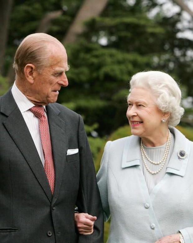 Ngắm nhìn những bức ảnh hiếm có về cuộc đời của cố Hoàng thân Philip, chồng Nữ hoàng Anh Elizabeth II - Ảnh 23.