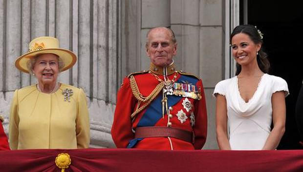 Ngắm nhìn những bức ảnh hiếm có về cuộc đời của cố Hoàng thân Philip, chồng Nữ hoàng Anh Elizabeth II - Ảnh 24.