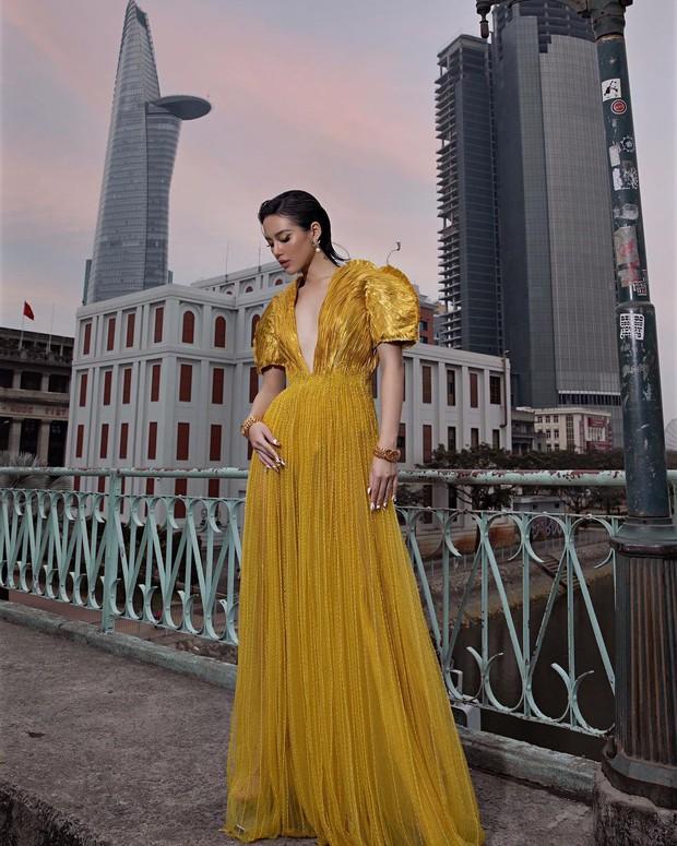 Mặc váy vàng và đá chân cao, Hà Hồ tiễn Khánh Linh - Lương Thùy Linh về nơi xa lắm... - Ảnh 5.