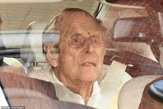 Những hình ảnh cuối cùng của chồng Nữ hoàng Anh - Hoàng tế Philip, trước khi qua đời ở tuổi 99 - Ảnh 5.