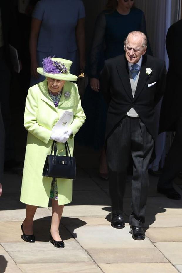 Ngắm nhìn những bức ảnh hiếm có về cuộc đời của cố Hoàng thân Philip, chồng Nữ hoàng Anh Elizabeth II - Ảnh 28.