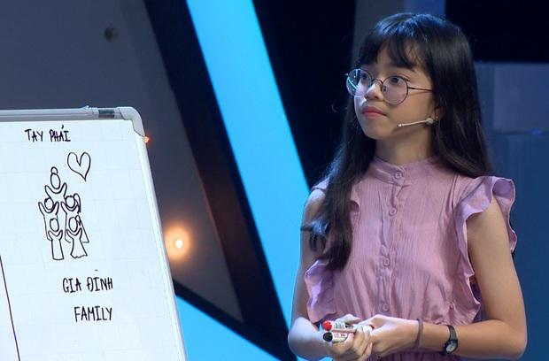 Cô gái đam mê xỏ khuyên tranh cãi kịch liệt với giám khảo sau khi bị chê: Hát như karaoke! - Ảnh 7.