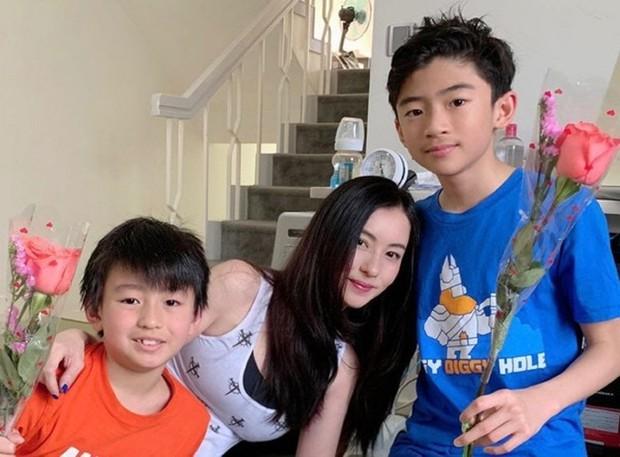 Vì sao sau 10 năm ly hôn, Tạ Đình Phong chưa bao giờ đòi quyền nuôi con từ tay Trương Bá Chi? - Ảnh 3.
