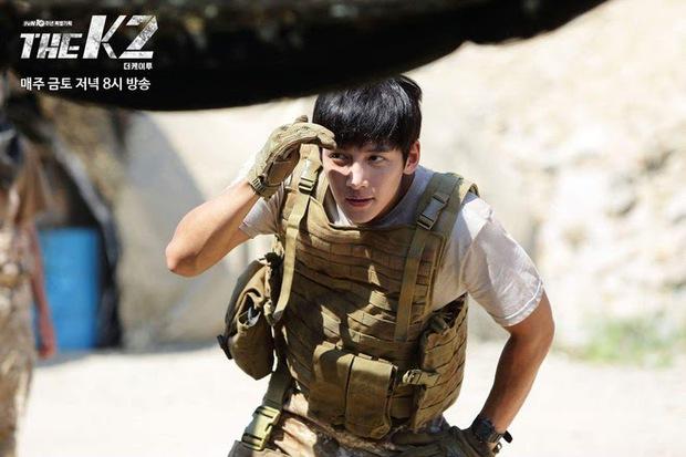 Chết lịm với 6 nam thần hành động của phim Hàn: Ngầu như Hyun Bin với Song Joong Ki ai mà chẳng mê! - Ảnh 5.