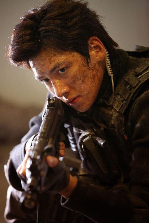 Chết lịm với 6 nam thần hành động của phim Hàn: Ngầu như Hyun Bin với Song Joong Ki ai mà chẳng mê! - Ảnh 6.