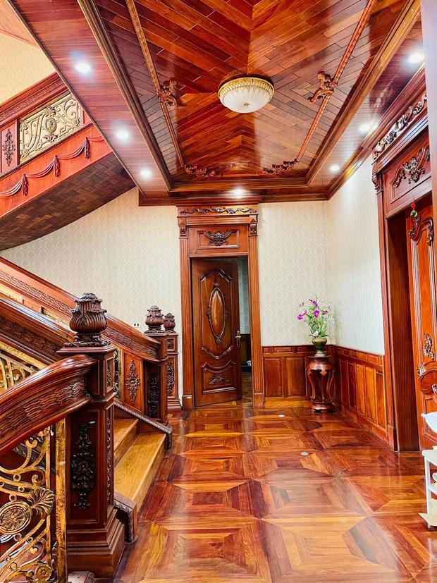 Biệt thự bề thế của gia đình 9X Bắc Ninh: Diện tích 400m2 với 4 tầng, nội thất tinh xảo toàn gỗ nguyên khối nhập từ Lào - Ảnh 12.
