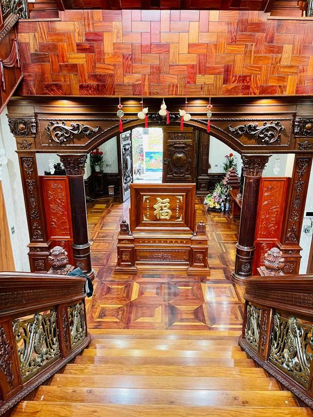 Biệt thự bề thế của gia đình 9X Bắc Ninh: Diện tích 400m2 với 4 tầng, nội thất tinh xảo toàn gỗ nguyên khối nhập từ Lào - Ảnh 10.