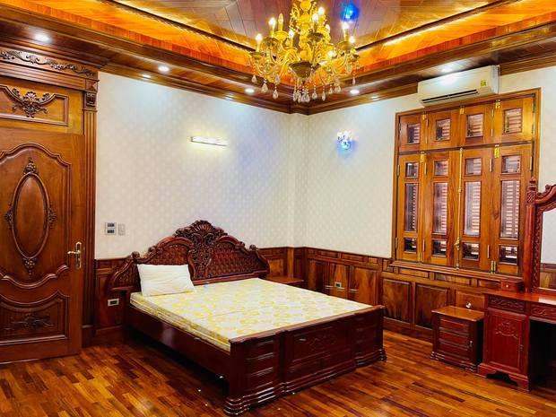 Biệt thự bề thế của gia đình 9X Bắc Ninh: Diện tích 400m2 với 4 tầng, nội thất tinh xảo toàn gỗ nguyên khối nhập từ Lào - Ảnh 14.