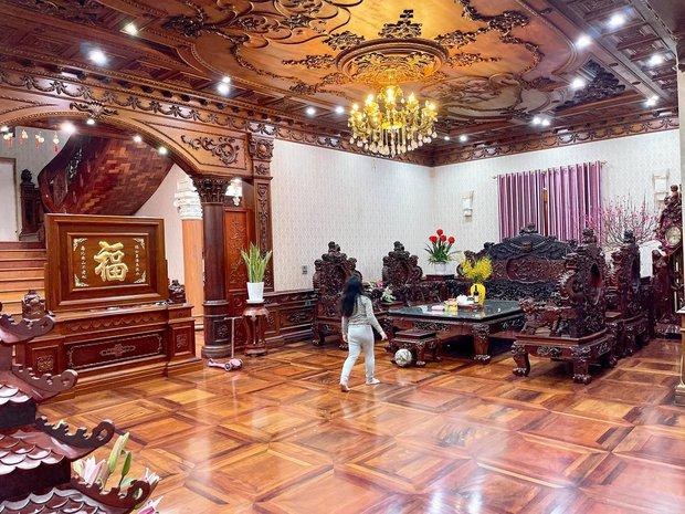 Biệt thự bề thế của gia đình 9X Bắc Ninh: Diện tích 400m2 với 4 tầng, nội thất tinh xảo toàn gỗ nguyên khối nhập từ Lào - Ảnh 5.