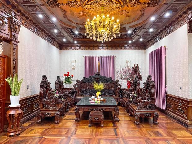 Biệt thự bề thế của gia đình 9X Bắc Ninh: Diện tích 400m2 với 4 tầng, nội thất tinh xảo toàn gỗ nguyên khối nhập từ Lào - Ảnh 4.