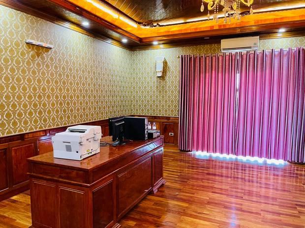 Biệt thự bề thế của gia đình 9X Bắc Ninh: Diện tích 400m2 với 4 tầng, nội thất tinh xảo toàn gỗ nguyên khối nhập từ Lào - Ảnh 9.
