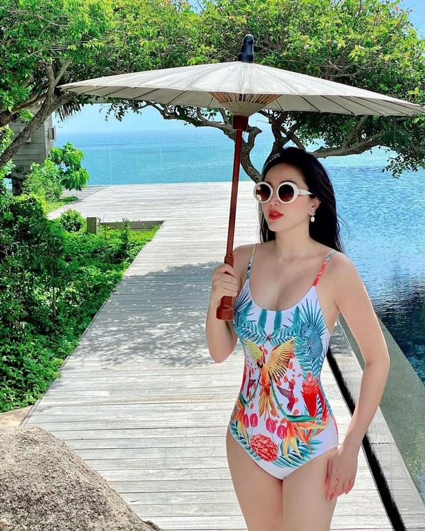 Soi lô áo tắm này của sao Việt là nhận ra ngay những mẫu đồ bơi đang hot giúp các nàng hack dáng, che bé mỡ - Ảnh 2.