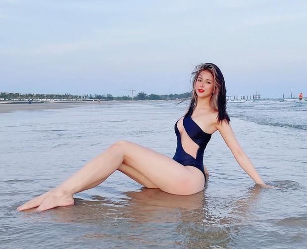 Soi lô áo tắm này của sao Việt là nhận ra ngay những mẫu đồ bơi đang hot giúp các nàng hack dáng, che bé mỡ - Ảnh 1.