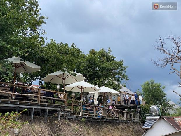 Các quán cà phê hot ở Đà Lạt hôm nay: Dân tình kéo nhau đi trú mưa, tìm chỗ đứng còn khó huống chi ngồi! - Ảnh 22.