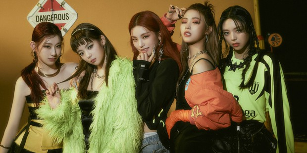 Thất vọng vì bài mới của ITZY quá khó ngấm, fan Hàn khủng bố và yêu cầu chủ tịch JYP ngừng sáng tác cho gà cưng - Ảnh 2.