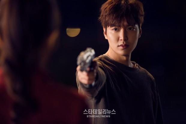 Chết lịm với 6 nam thần hành động của phim Hàn: Ngầu như Hyun Bin với Song Joong Ki ai mà chẳng mê! - Ảnh 17.