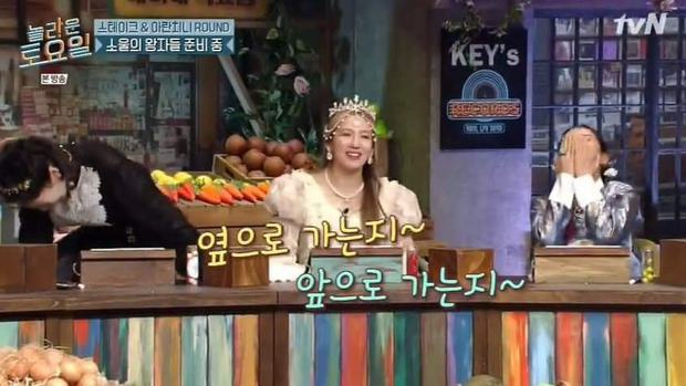 Nghe Hyoyeon (SNSD) kể về độ hot của bản hit quốc dân Gee mà cười mệt, chân run lẩy bẩy tưởng đi ngang quá chân thật! - Ảnh 2.