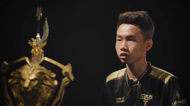 Chưa thi đấu chính thức cho Saigon Phantom trận nào, nhưng Yiwei đã lên tiếng dằn mặt các đàn anh Team Flash trước thềm Chung kết Đấu Trường Danh Vọng - Ảnh 2.