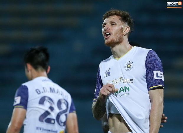 Không phải tuyển thủ Thái Lan, Hà Nội FC sẽ mua tiền đạo Hàn Quốc? - Ảnh 1.