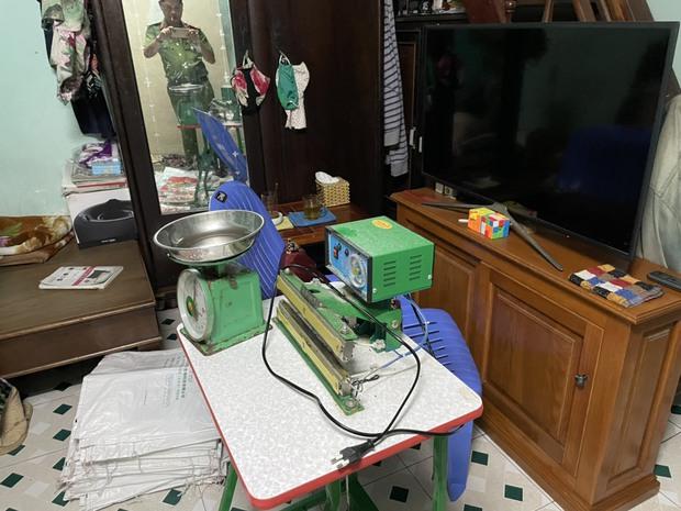 Phát hiện đường dây làm giả bột ngọt, hạt nêm cung cấp cho các chợ ở Đà Nẵng - Ảnh 2.