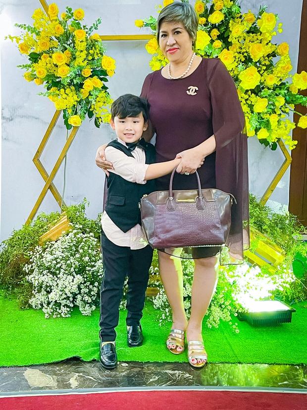 Hoa hậu Diễm Hương tiết lộ mắc căn bệnh lạ 10.000 người mới có 1 người bị, lên tiếng làm rõ loạt thị phi và hôn nhân thất bại? - Ảnh 6.