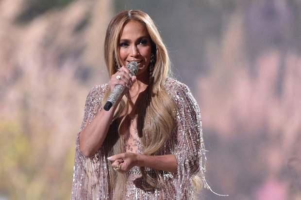 Selena Gomez dừ chát dù là host chủ trì, bị Jennifer Lopez bốc lửa hơn 23 tuổi và dàn sao chặt đẹp ở sự kiện khủng - Ảnh 10.