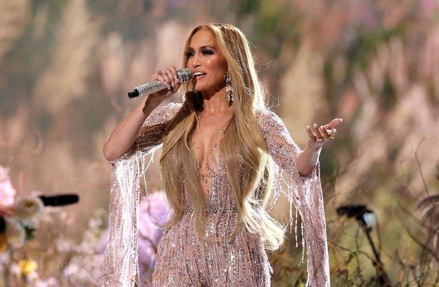 Selena Gomez dừ chát dù là host chủ trì, bị Jennifer Lopez bốc lửa hơn 23 tuổi và dàn sao chặt đẹp ở sự kiện khủng - Ảnh 11.