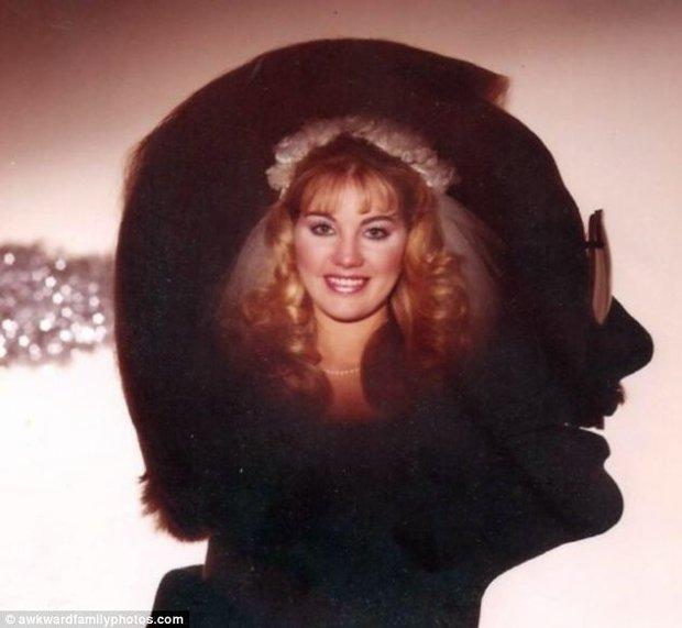 Tuyển tập những tấm ảnh cưới không đẹp tí nào nhưng chắc chắn cô dâu chú rể đều... vui tính - Ảnh 2.