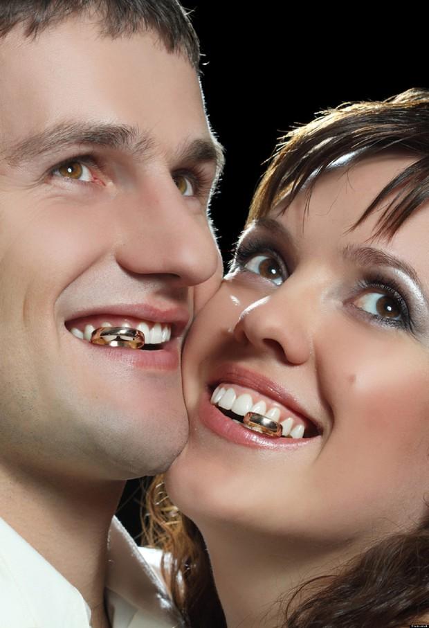Tuyển tập những tấm ảnh cưới không đẹp tí nào nhưng chắc chắn cô dâu chú rể đều... vui tính - Ảnh 3.