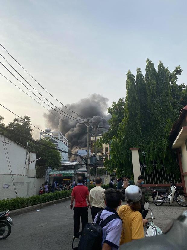 Công an xem xét dấu hiệu phạm tội trong vụ cháy khiến 8 người tử vong thương tâm ở Sài Gòn - Ảnh 7.