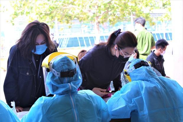 Cả gia đình 4 người mắc Covid-19 ở Đà Nẵng: Đã đi đến những đâu, lây nhiễm như thế nào? - Ảnh 3.