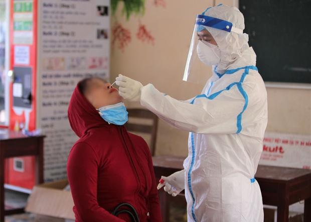 Đà Nẵng phát hiện thêm 4 ca dương tính SARS-CoV-2, trong đó có nhân viên bất động sản và chủ quán chè bưởi - Ảnh 2.