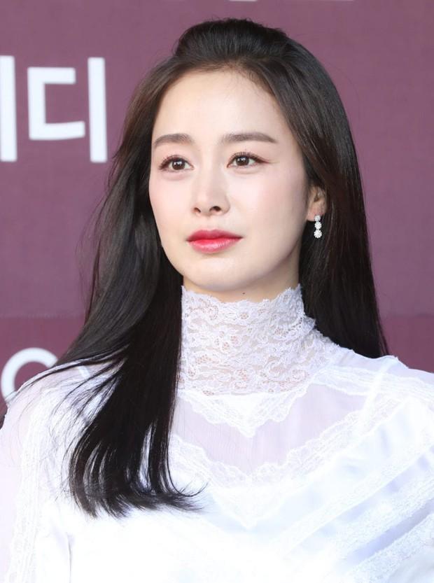 Bạn học cũ hé lộ nhan sắc thật của Kim Tae Hee thời đại học: Tình cờ gặp ở nhà vệ sinh cũng biến mọi người thành... mực vì quá đẹp - Ảnh 9.