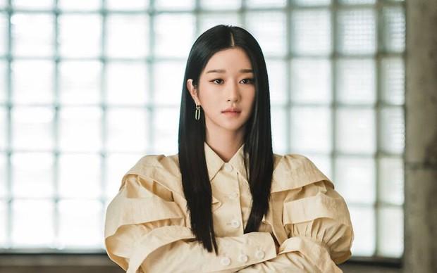 Hạng mục Baeksang 2021 gây tranh cãi: Seo Ye Ji vượt mặt Kim So Hyun bất chấp phốt, Kim Soo Hyun bị nam phụ Start Up cho ngửi khói - Ảnh 5.