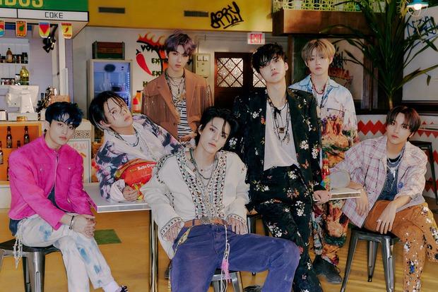 Nhóm nhi đồng lập kỷ lục pre-order album cao nhất mọi thời đại nhà SM, vượt loạt album của BTS, BLACKPINK đầy bất ngờ - Ảnh 1.
