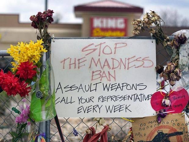 Xả súng tại bữa tiệc sinh nhật, người đàn ông giết hại 6 người và tự sát ở Colorado (Mỹ) - Ảnh 2.