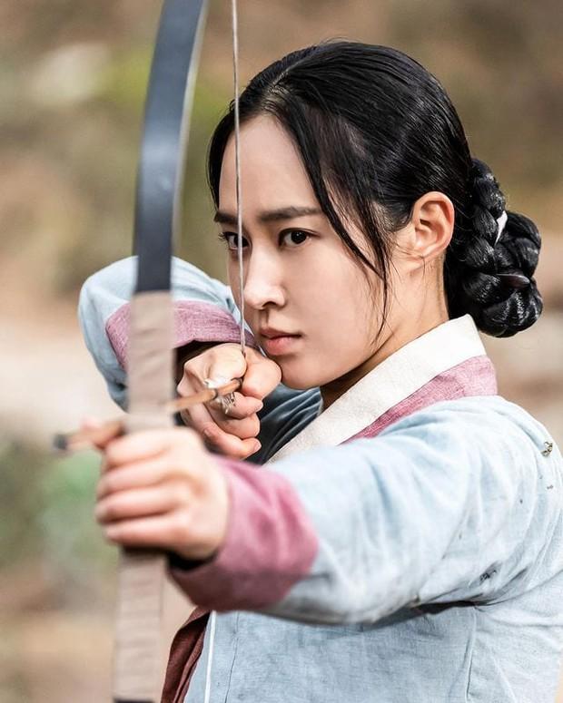 Bom tấn cổ trang của Yuri (SNSD) được netizen nức nở khen: Nội dung chuẩn mực, diễn viên lại cực xinh - Ảnh 7.