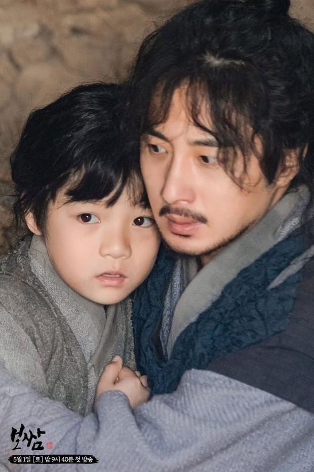 Bom tấn cổ trang của Yuri (SNSD) được netizen nức nở khen: Nội dung chuẩn mực, diễn viên lại cực xinh - Ảnh 8.