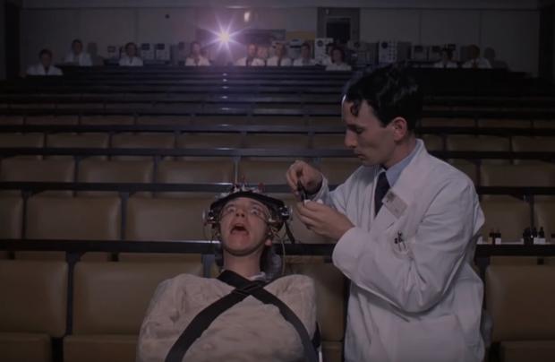 6 phim bị cấm giờ thành nghệ thuật: Hãi nhất tác phẩm đạo diễn bị nghi... sát hại diễn viên - Ảnh 11.