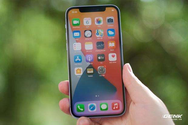 Trên tay iPhone 12 màu tím mộng mơ mới, giá chính hãng 22 triệu đồng, lên kệ trong tháng 6 - Ảnh 11.