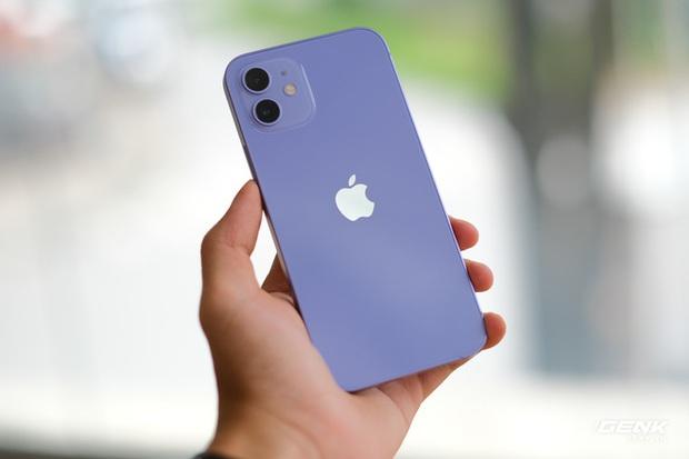 Trên tay iPhone 12 màu tím mộng mơ mới, giá chính hãng 22 triệu đồng, lên kệ trong tháng 6 - Ảnh 3.
