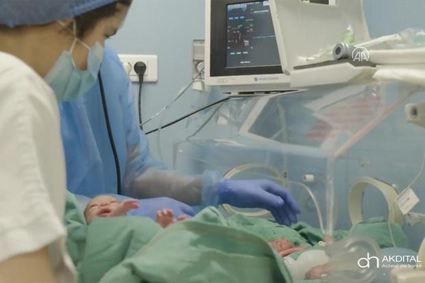 Hình ảnh mới nhất của các em bé trong ca sinh 9 hy hữu gây chấn động thế giới gần đây - Ảnh 8.
