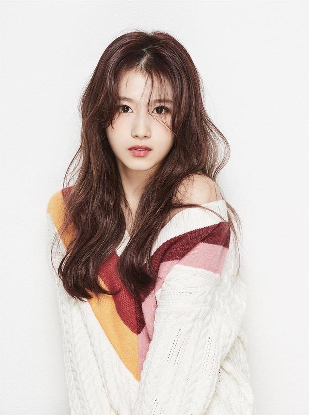 6 lần fan gây sốc vì tặng idol quà khủng: Jungkook nhận thỏi vàng và đồng hồ nửa tỷ, nữ idol debut 2 tháng đã có núi hàng hiệu - Ảnh 10.
