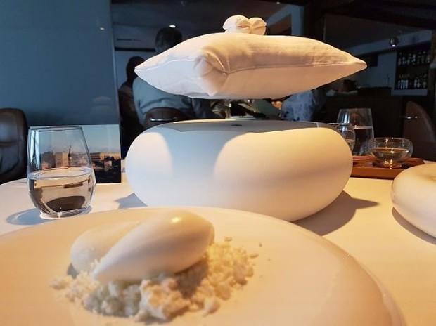 Đỉnh cao làm màu của các nhà hàng: Trang trí món ăn thế này có khác nào thách thức khách không? - Ảnh 9.