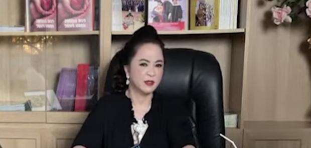Vợ ông Dũng lò vôi hé lộ lý do gọi tên NS Hoài Linh trong loạt ồn ào, netizen ngán ngẩm vì quá thô tục và kém duyên - Ảnh 2.