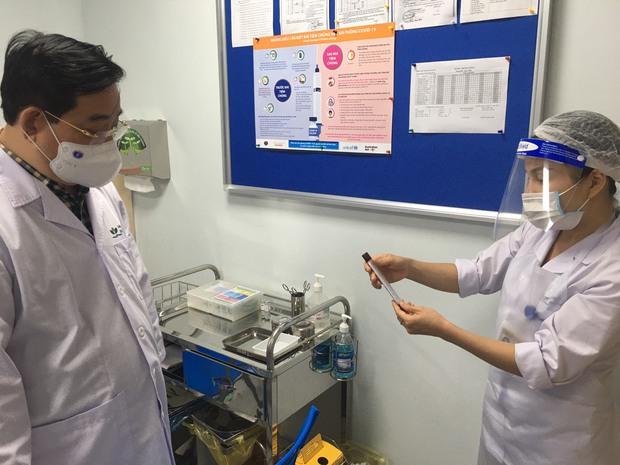 Bệnh viện Nhi TW giảm một nửa bệnh nhân đến khám để chống dịch COVID-19 - Ảnh 2.