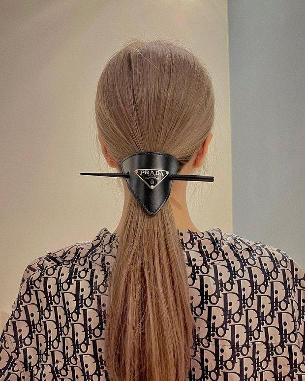Trang Anna bị chị em thân thiết tố suốt ngày than hết tiền nhưng sắm từ kẹp tóc 8 triệu đến túi Chanel 170 triệu - Ảnh 3.