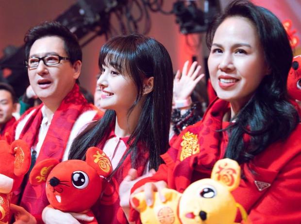 Rầm rộ tin bố mẹ Trịnh Sảng ly hôn ngay sau khi con gái phải hầu toà, gia sản trong nhà bị phân chia - Ảnh 3.