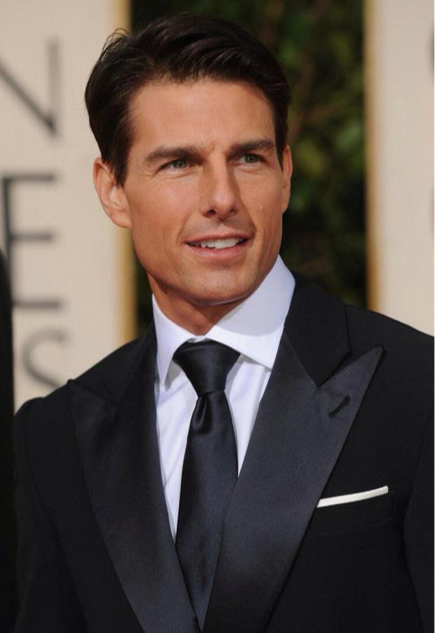 Toàn cảnh Quả Cầu Vàng sắp toang: Tom Cruise trả lại 3 tượng vàng, Scarlett Johansson đòi tẩy chay, Emily in Paris bị tố mua giải căng đét - Ảnh 3.
